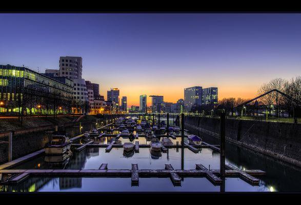 Sonnenuntergang am Medienhafen Düsseldorf