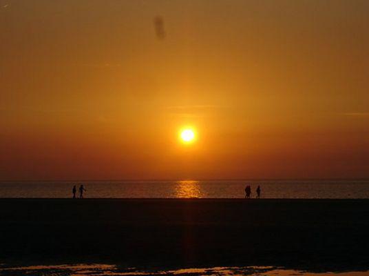 Sonnenuntergang am Meer in Holland