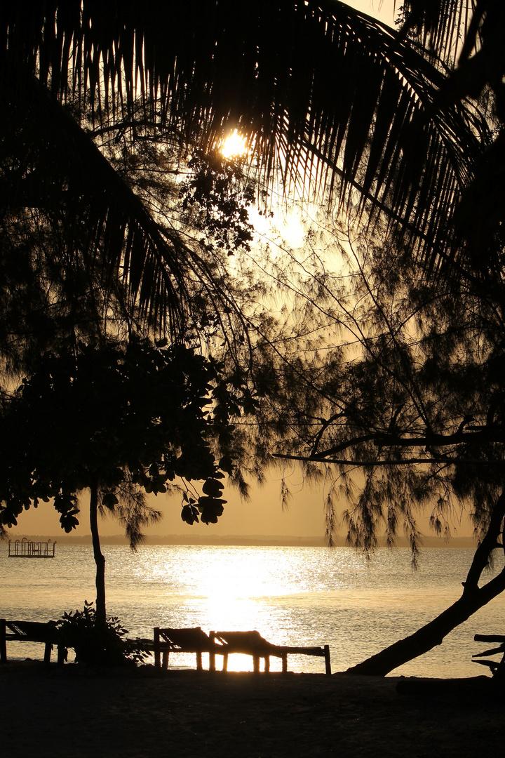 Sonnenuntergang am Michamvi Beach