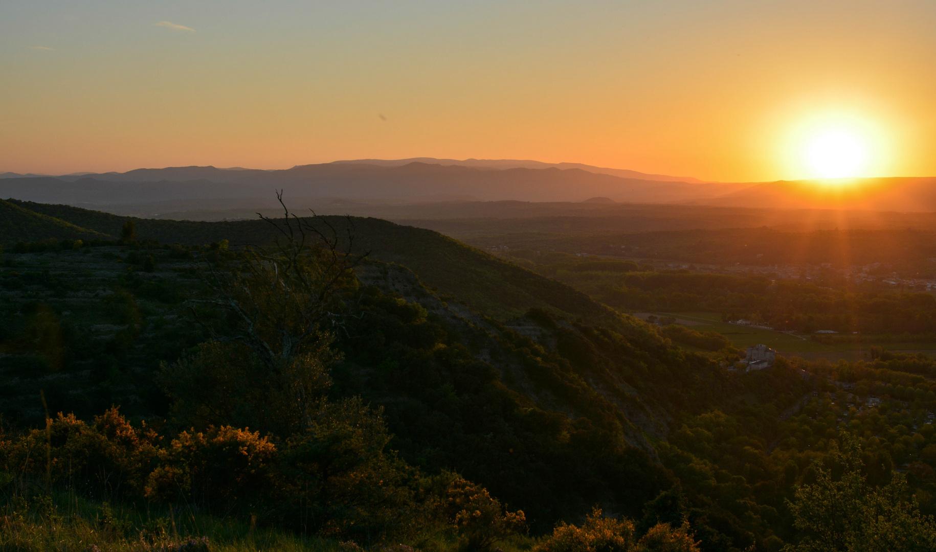 Sonnenuntergang am Mont Sampzon