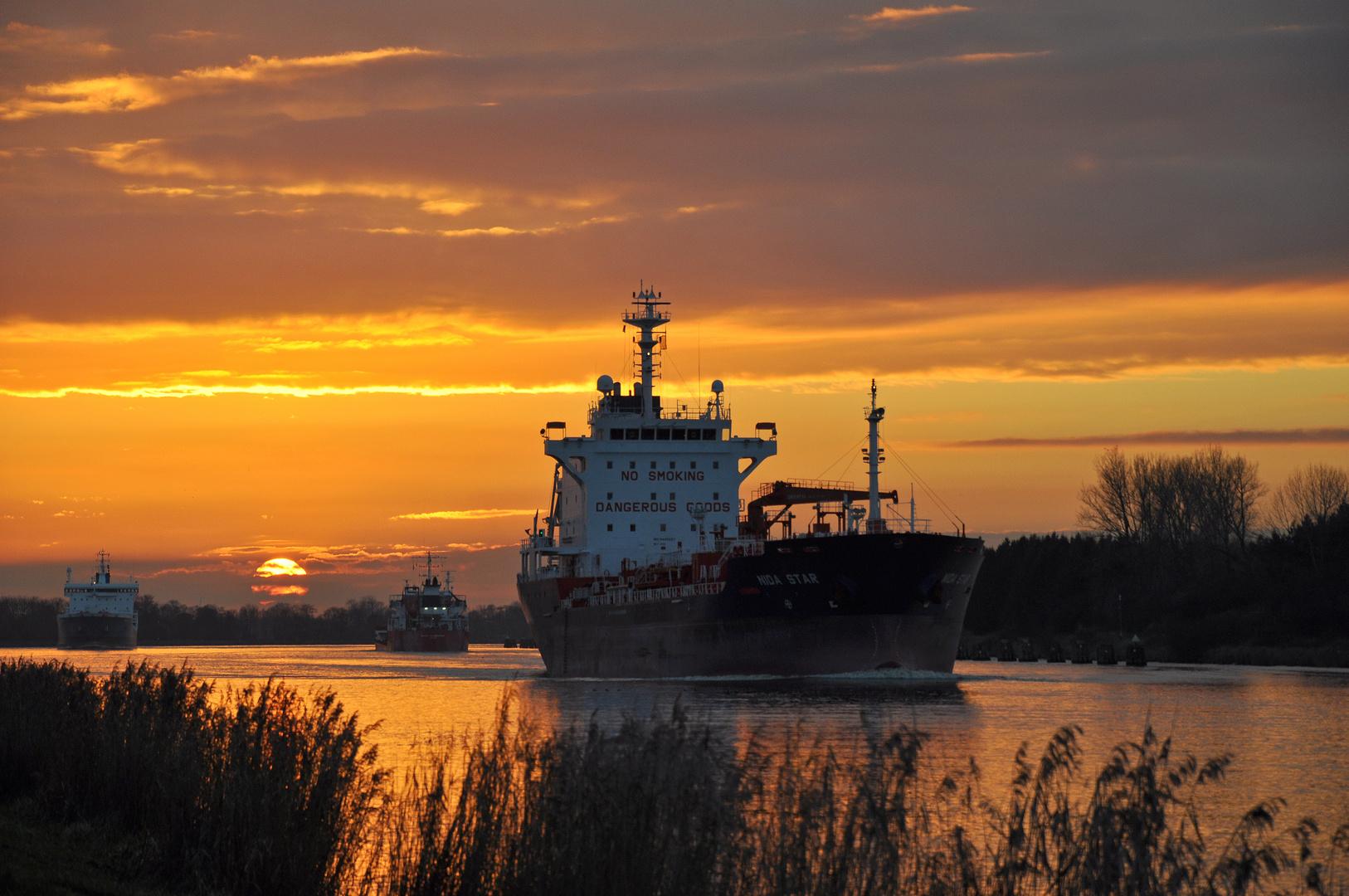 Sonnenuntergang am Nord-Ostsee-Kanal