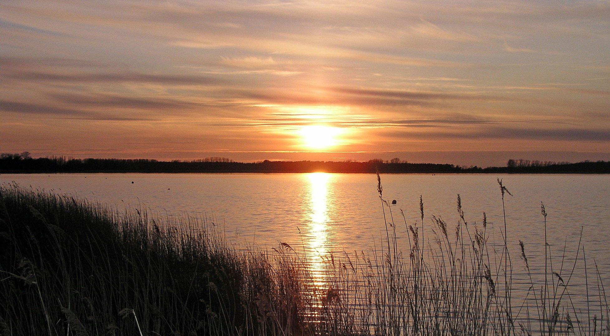 Sonnenuntergang am Ostersonntag