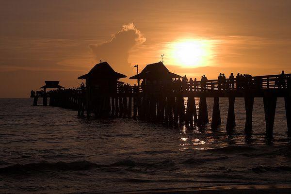 *** Sonnenuntergang am Pier ***