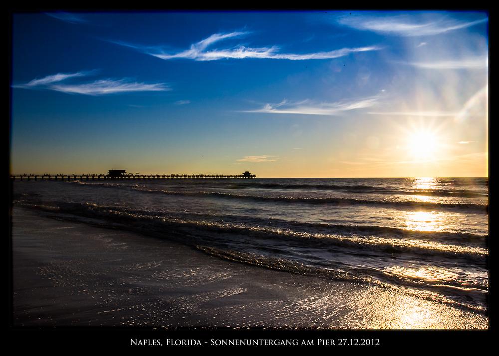 Sonnenuntergang am Pier in Naples, Florida