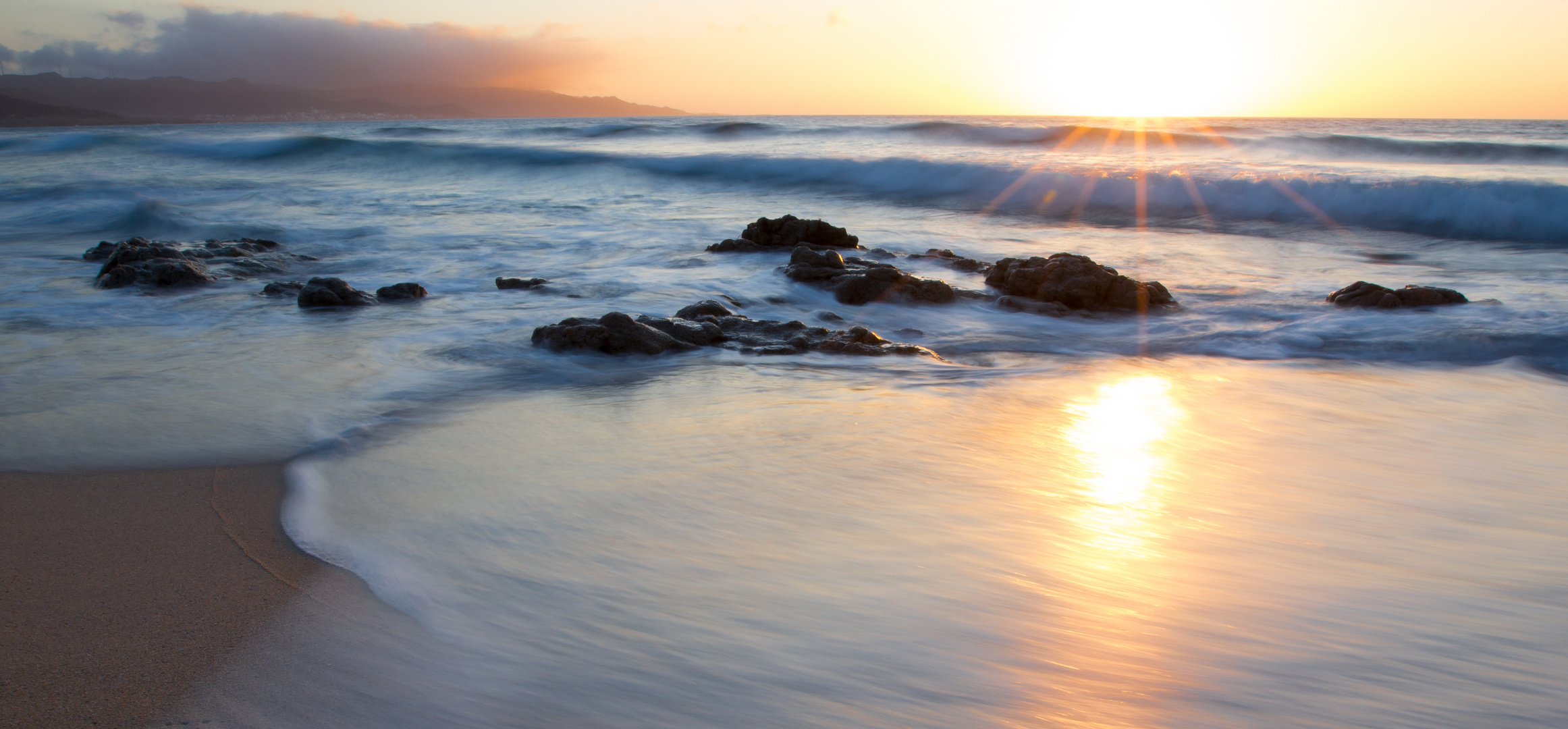 Sonnenuntergang am Playa Traba / Galicien