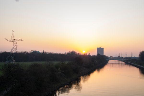 Sonnenuntergang am Rhein-Herne-Kanal
