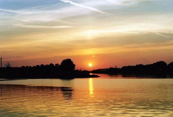 Sonnenuntergang am Rhein - Hernekanal