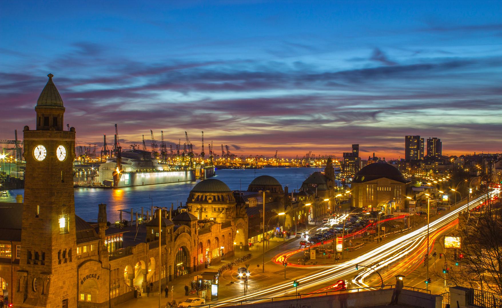 Sonnenuntergang am Stintfang Landungsbrücken Hamburg