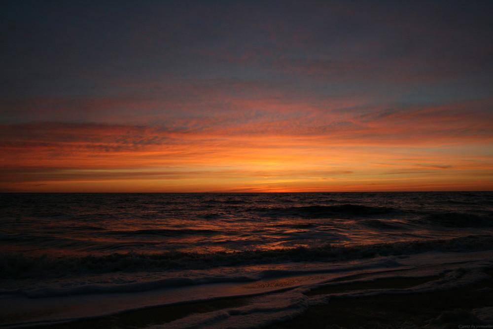 Sonnenuntergang am Strand von .....
