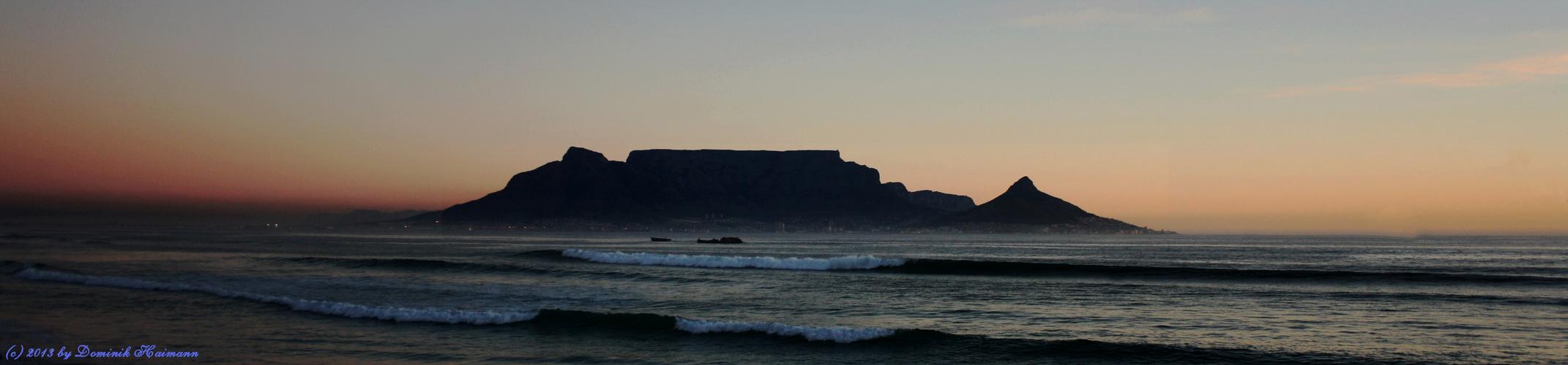 Sonnenuntergang am Strand von Blouberg