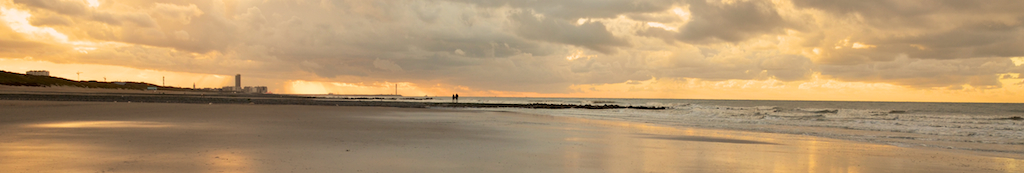 Sonnenuntergang am Strand von Bredene