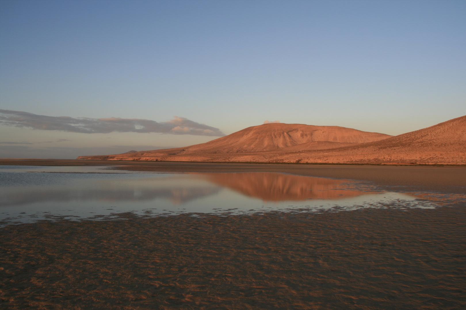 Sonnenuntergang am Strand von Fuerteventura