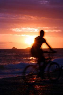 Sonnenuntergang am Strand von Ipanema