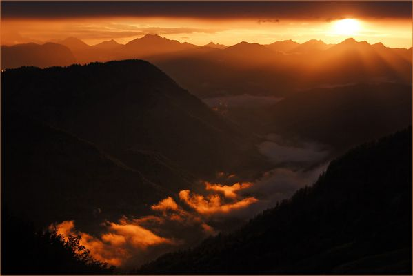 Sonnenuntergang am Stripsenjoch