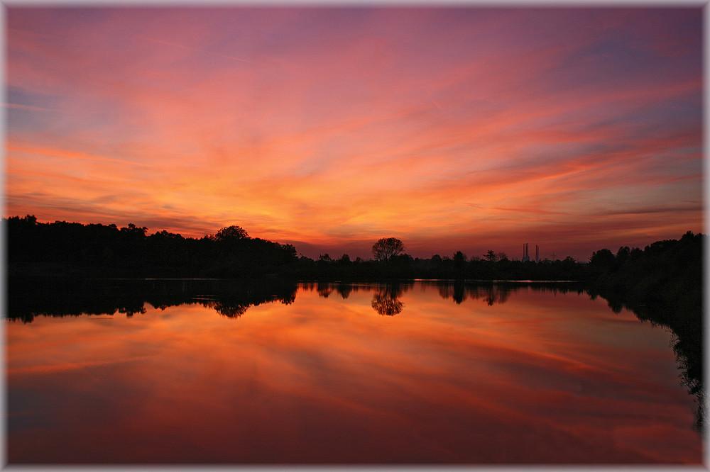 Sonnenuntergang am Teich ( 2 )