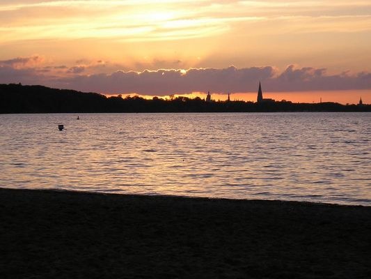 Sonnenuntergang am Zippendorfer Strand