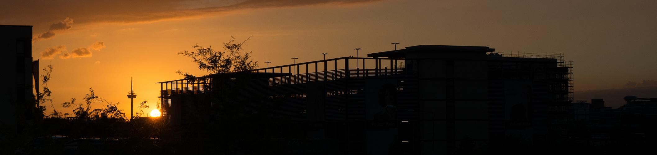 Sonnenuntergang an den Köln Arcaden