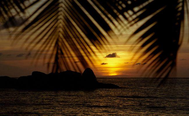 Sonnenuntergang an der Anse Takamaka, Mahe