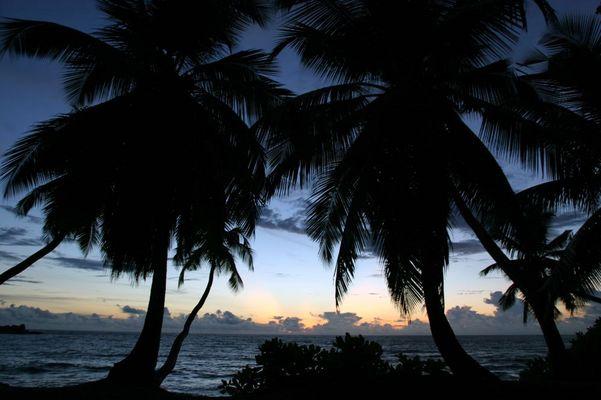 Sonnenuntergang an der Anse Takamaka (Mahé)