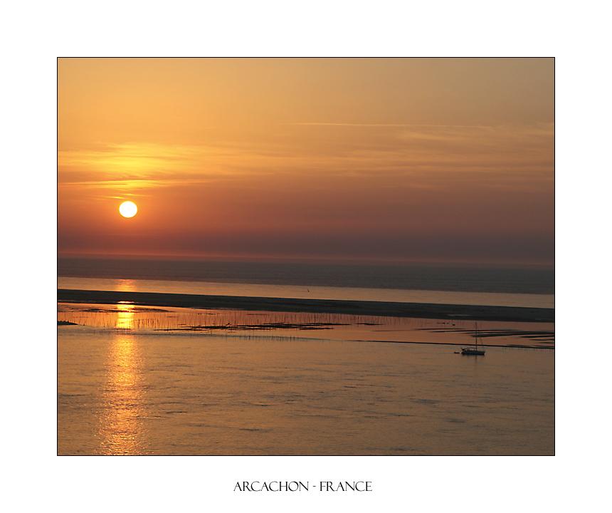 Sonnenuntergang an der französischen Atlantikküste