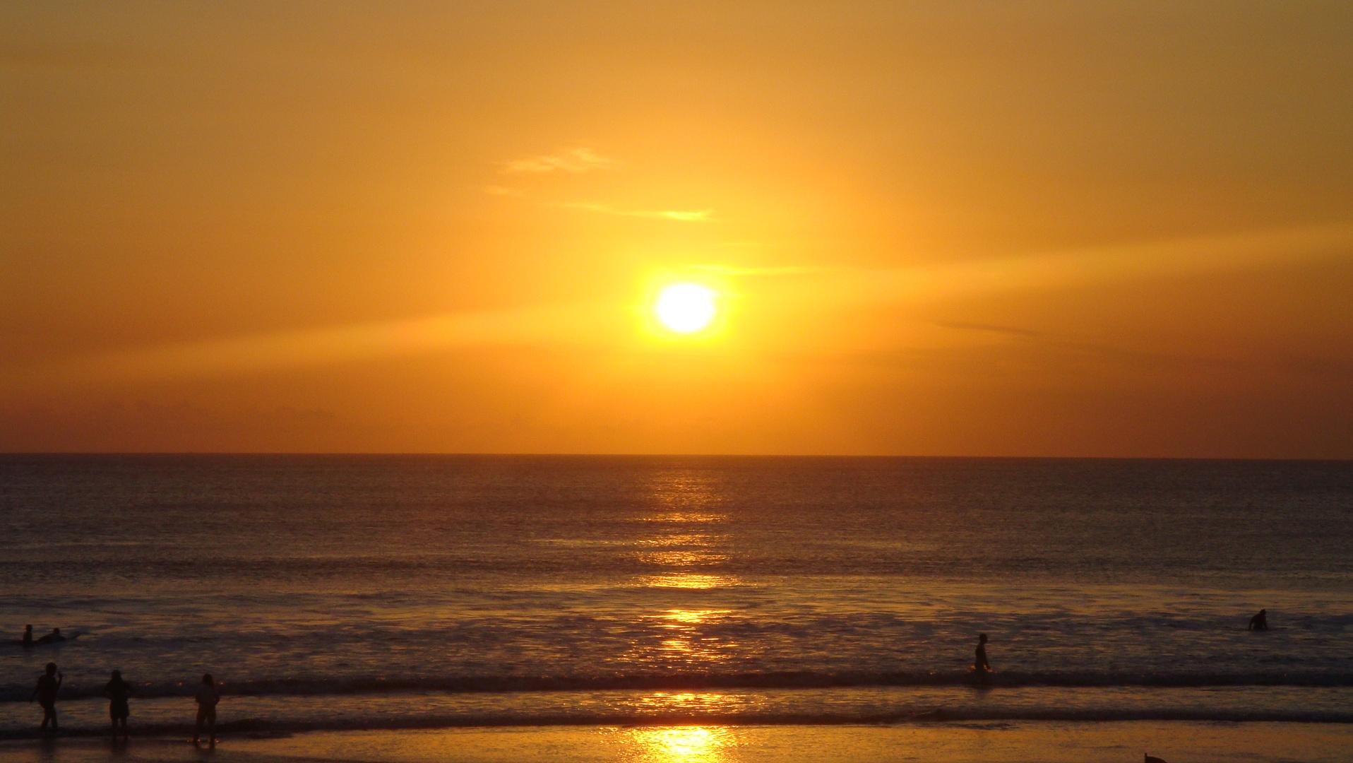 Sonnenuntergang an der Kuta Beach