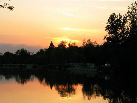 Sonnenuntergang an der Marne