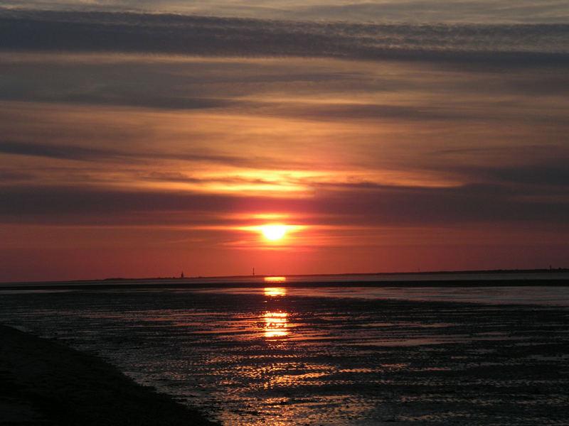 Sonnenuntergang an der Nordsee in Schillig