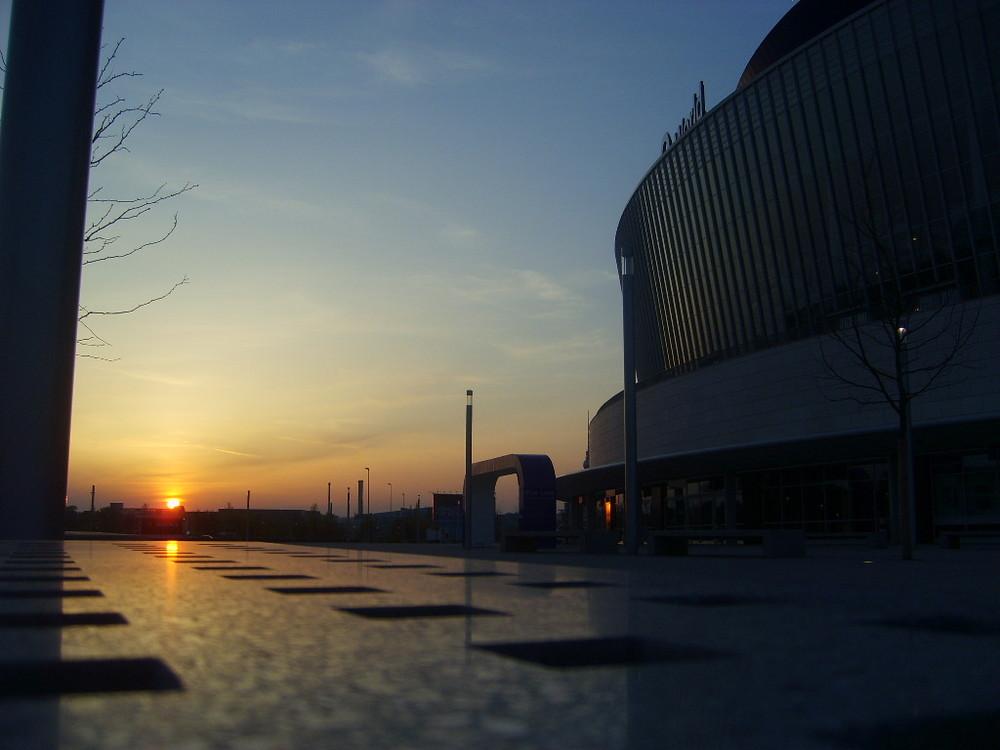 Sonnenuntergang an der O2 World