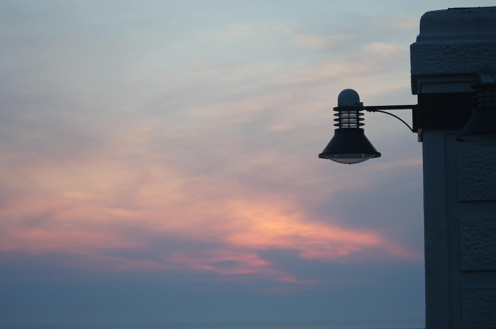Sonnenuntergang an der Promenade