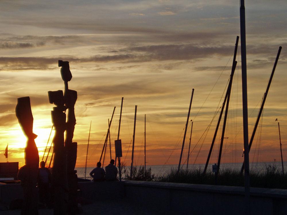 Sonnenuntergang an der Seepromenade