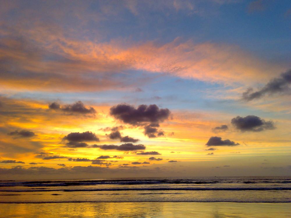 Sonnenuntergang an der Westküste von Costa Rica