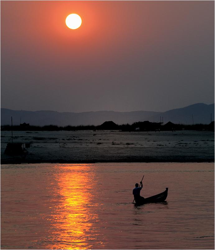 Sonnenuntergang auf dem Ayeyarwaddy