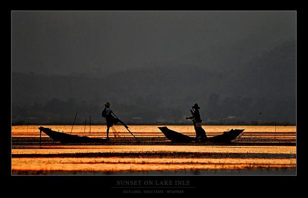 Sonnenuntergang auf dem Lake Inle...