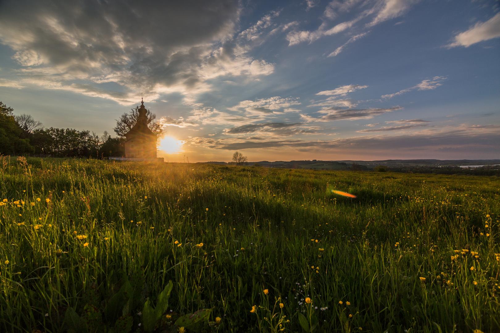 Sonnenuntergang auf dem Mühlberg bei Waging
