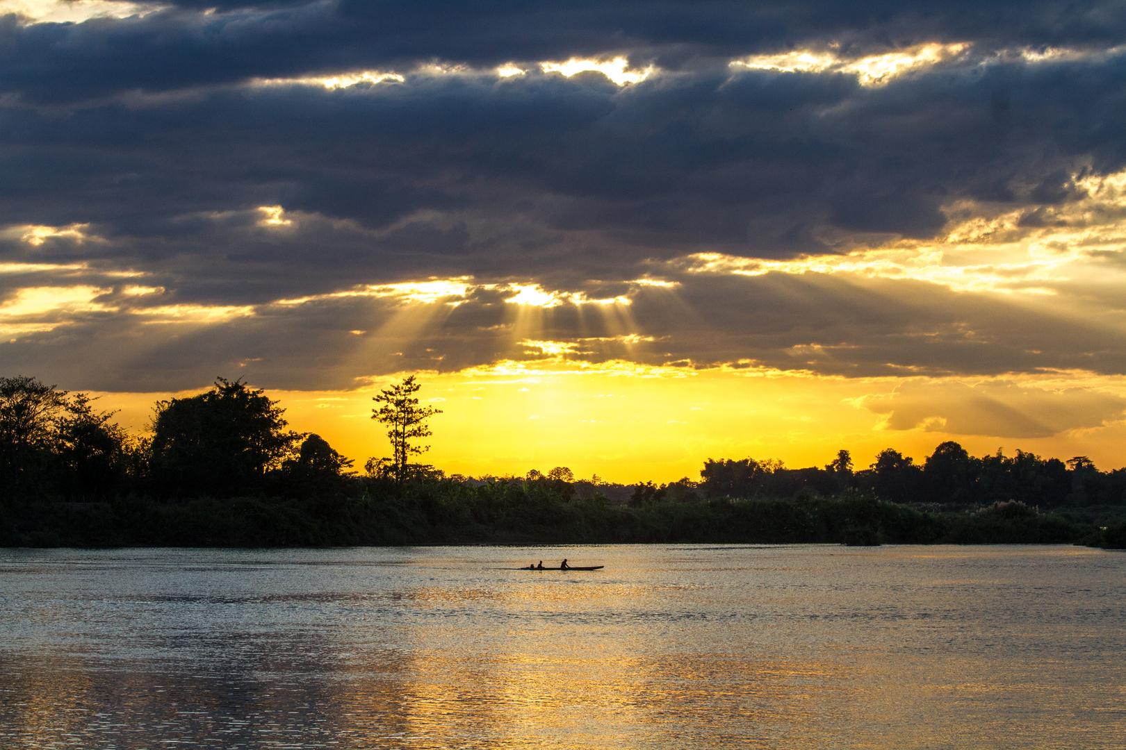 Sonnenuntergang auf den 4000 Inseln in Laos