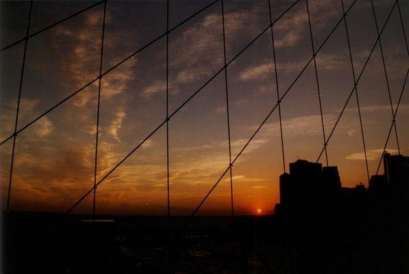 Sonnenuntergang auf der Brooklyn Bridge - NYC - 1999