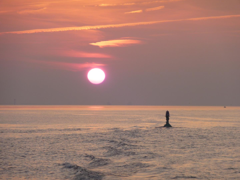 Sonnenuntergang auf der Elbe bei Cuxhaven