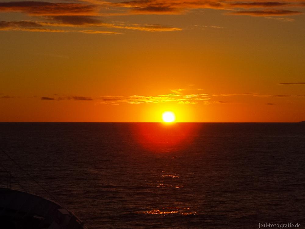 Sonnenuntergang auf der Fahrt nach Spitzbergen