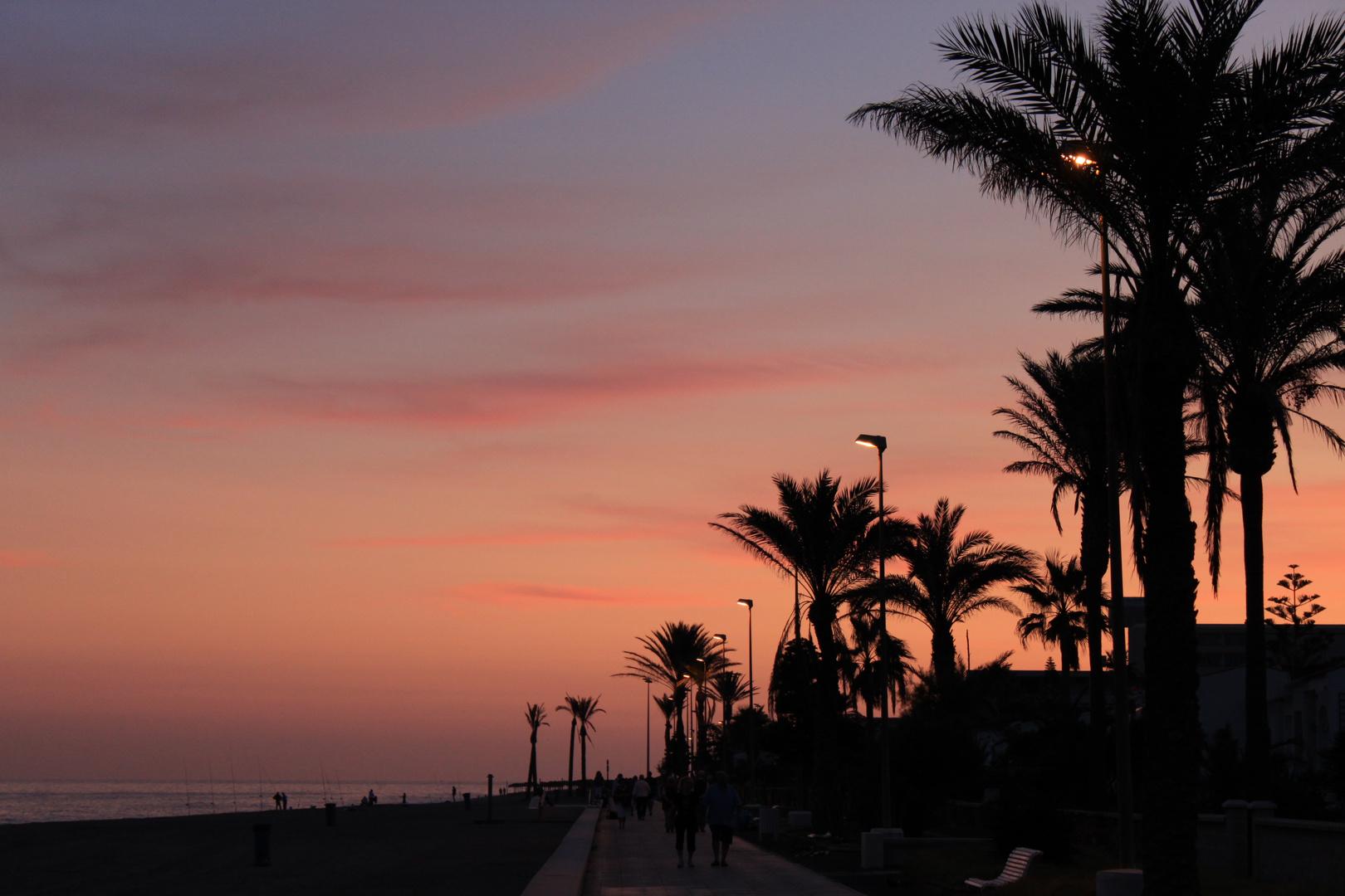 Sonnenuntergang auf der Promenade