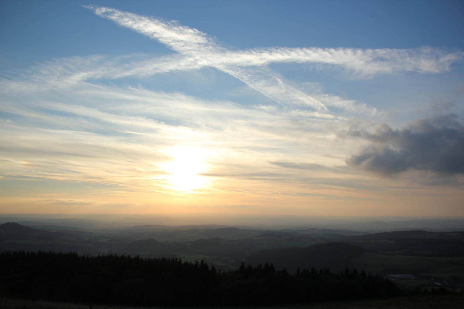 Sonnenuntergang auf der Wasserkuppe (Hessen)