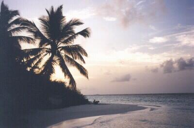Sonnenuntergang auf Embudu / Malediven