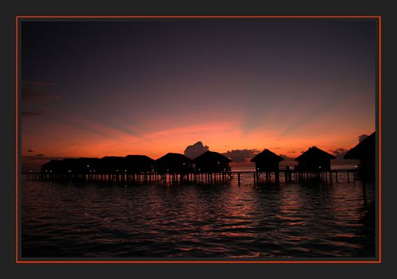 Sonnenuntergang auf Medhufushi Island, Meemu Atoll, Malediven