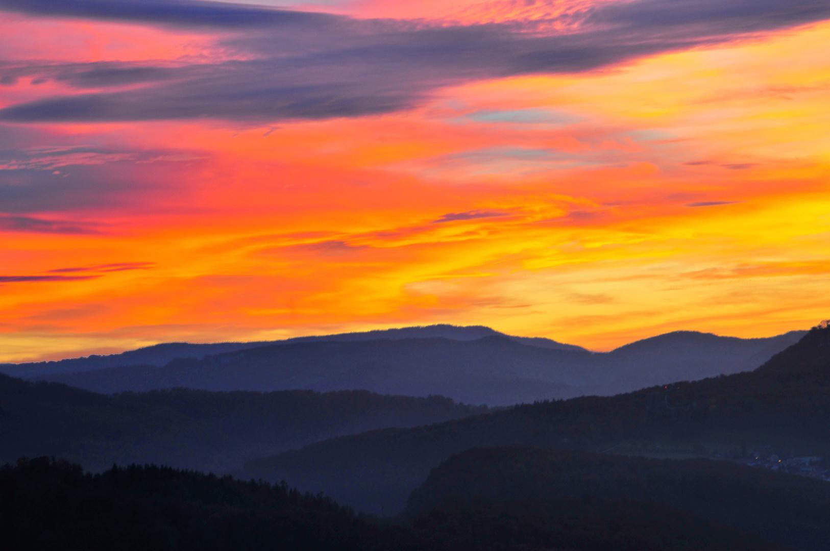 Sonnenuntergang aufgenommen von der Ruine Dorneck Blickrichtung Ettingen