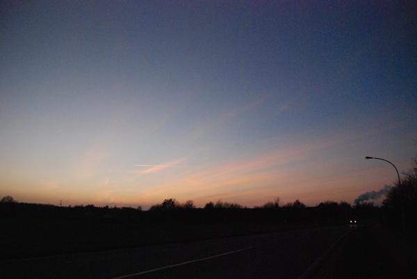 Sonnenuntergang aus dem Auto heraus