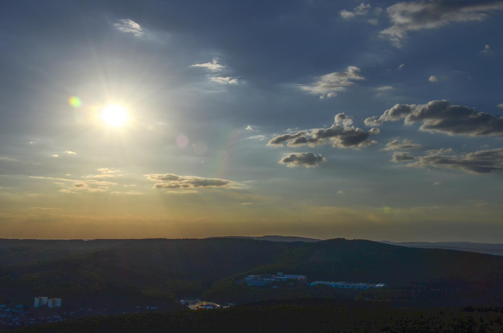 Sonnenuntergang aus einem Fesselballon heraus fotografiert