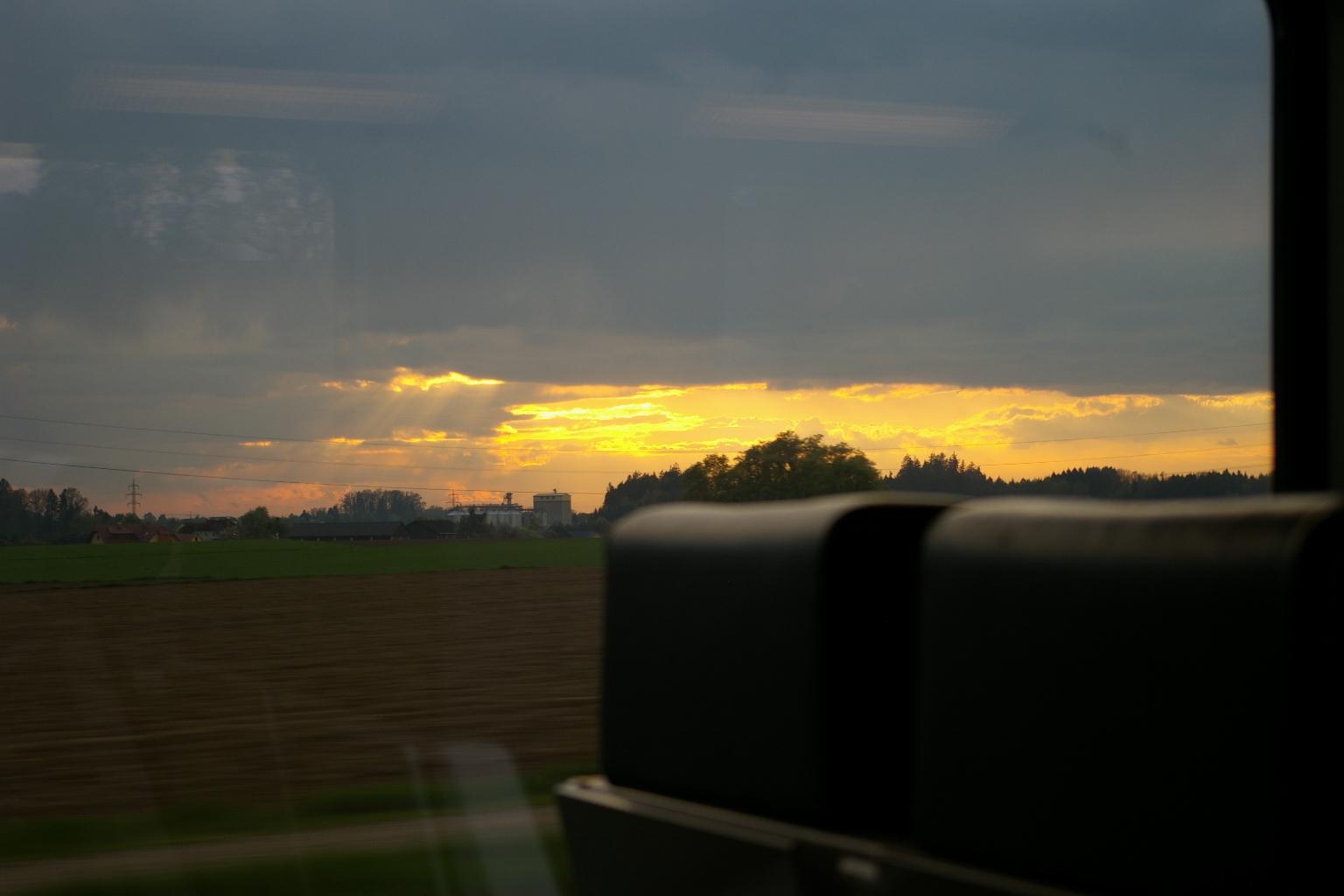 Sonnenuntergang bei 200 Km/h