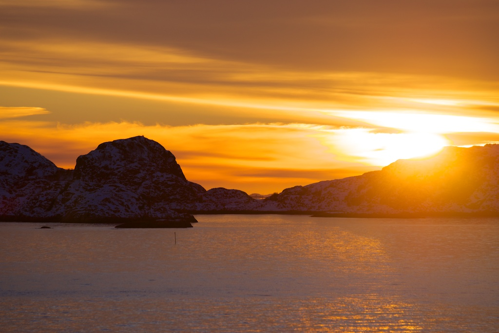 Sonnenuntergang bei Bodø