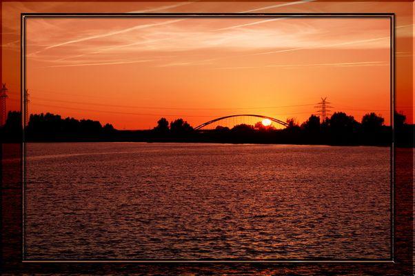 Sonnenuntergang bei der Meyer Werft