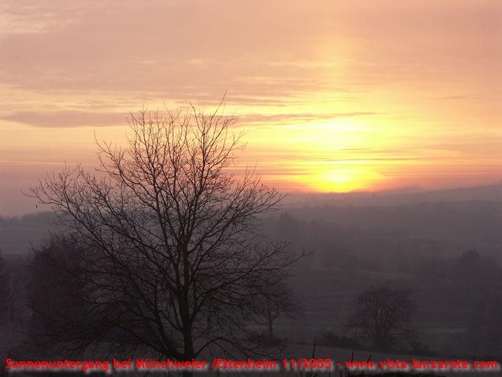 Sonnenuntergang bei Ettenheim, Schwarzwald am 20.11.05