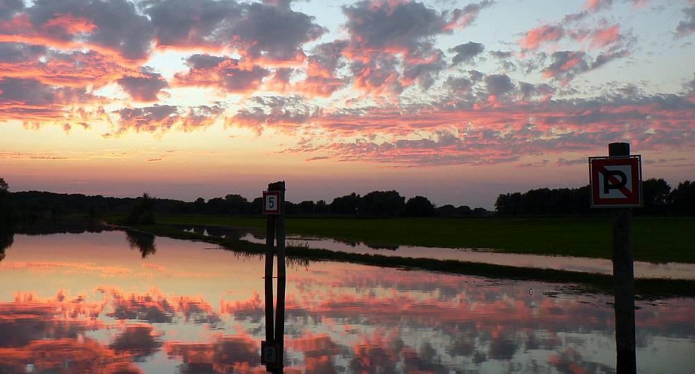 Sonnenuntergang bei Hochwasser...